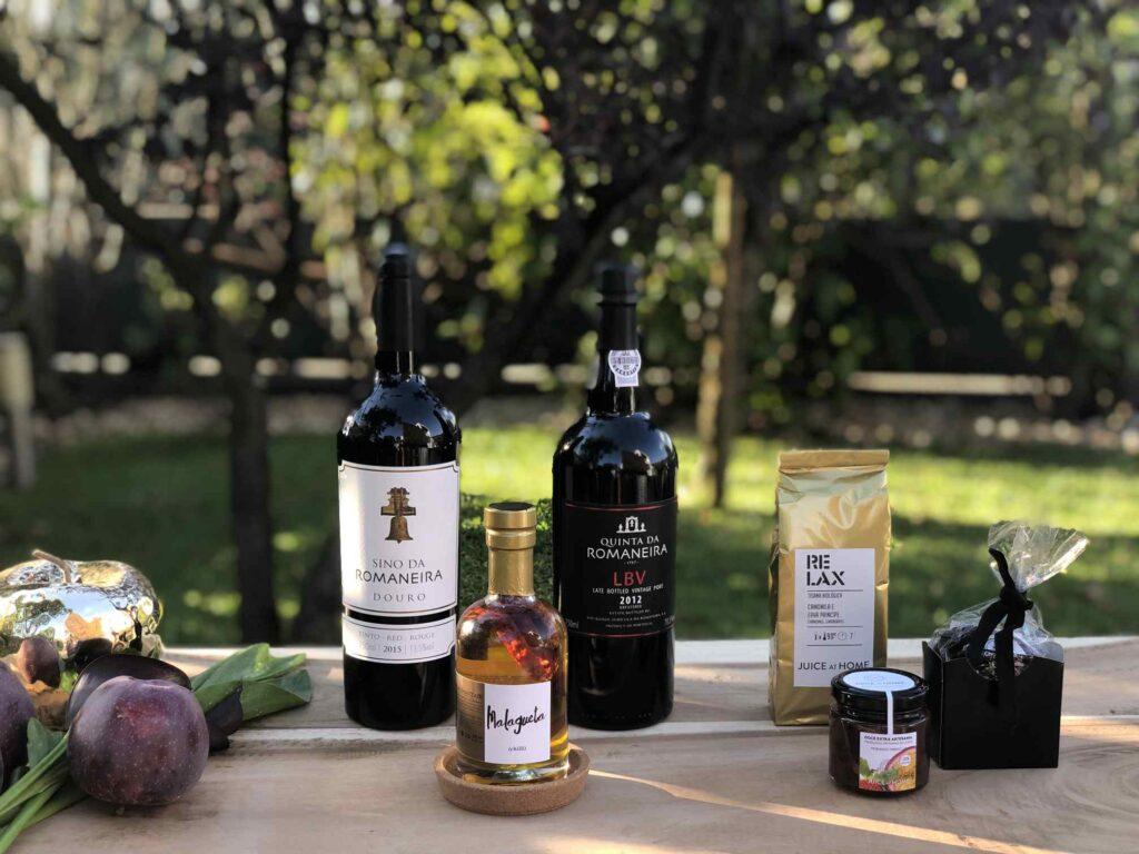 GIFT BOX SUPREME VALLEY Wine & Port . Romaneira Collection . cabazes gourmet personalizados e luxuosos juice at home vinho do porto douro tisana Cabazes gourmet natal empresas